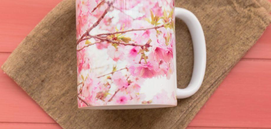 八重桜の マグカップ Society6 で販売中