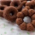 シリコン型でココアの焼きドーナツ