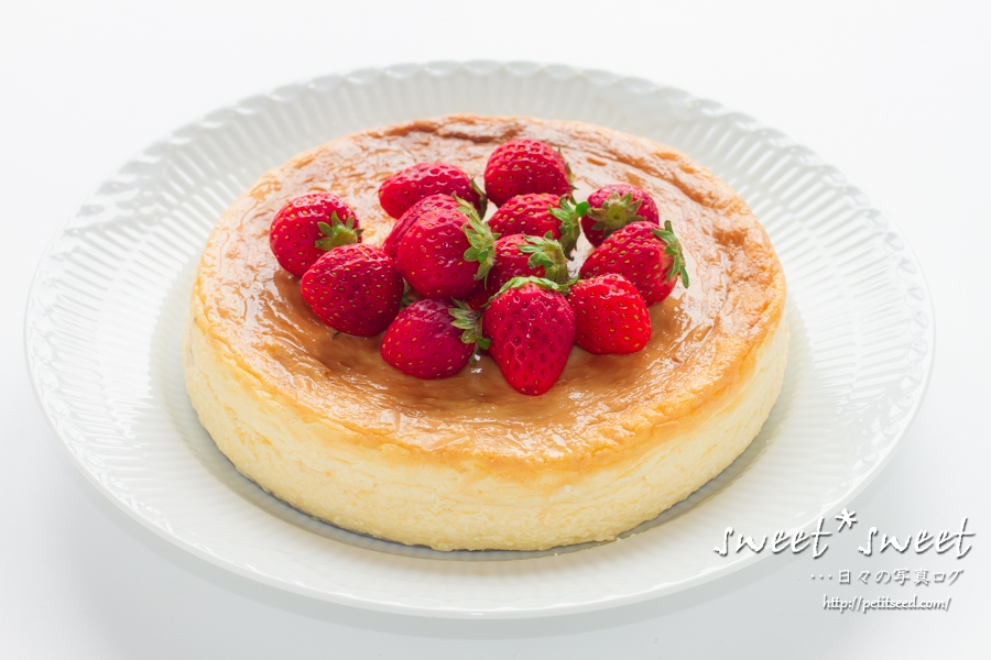 苺のベイクドチーズケーキ